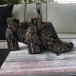 Calvin Klein Lorah Booties